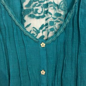 Anthropologie E Hanger M Teal Flower Lace Top
